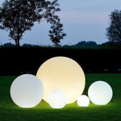 Boule, sphère avec lumière LED RGBW, batterie rechargeable de différentes tailles