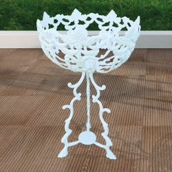 White Romantic Aluminum High  Pot Support, Planter, Resistant Aluminum, for Outdoor and Garden.