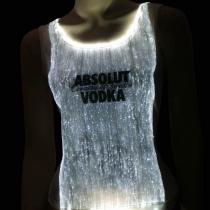Camiseta de fibra óptica con logo