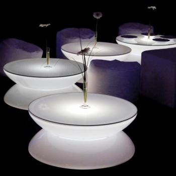 Mesa hostelería iluminada con luz led, RGB, sin cables, Lounge Bar