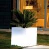Cube avec lumière led RVB, pot de 40cm, avec batterie et télécommande